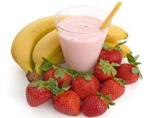 Рецепт самозамеса бананово-клубничного коктейля
